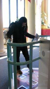 Dr. Russo tests the circulation exhibit at the Franklin Institute. Photo by the author.